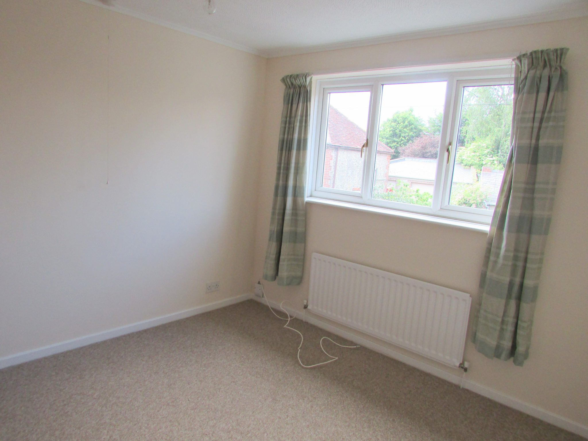 Property to rent, property to let, Warminster, West Street John Loftus Property Centre