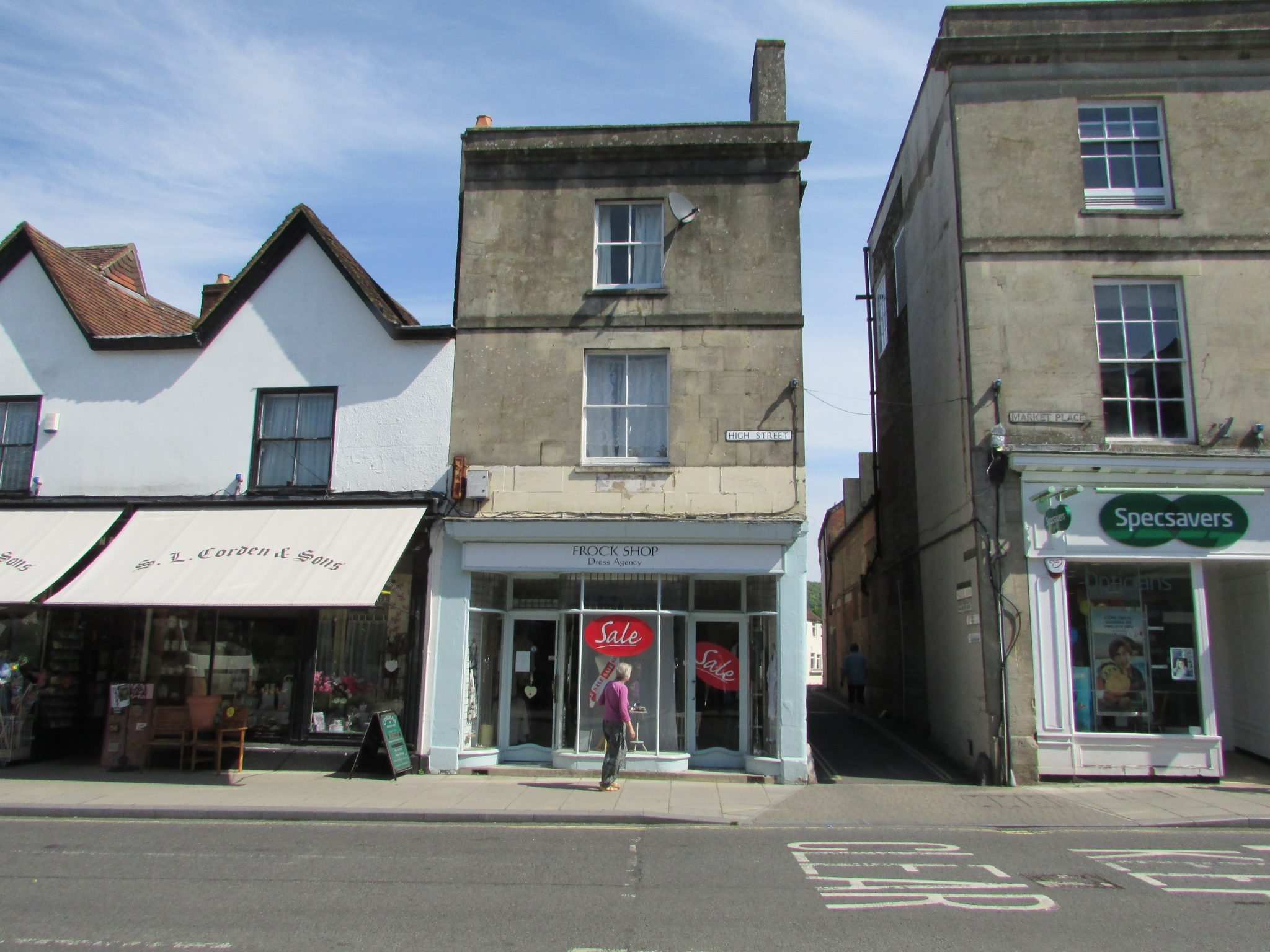 Property to rent, property to let, Warminster, George Street, John Loftus Property Centre