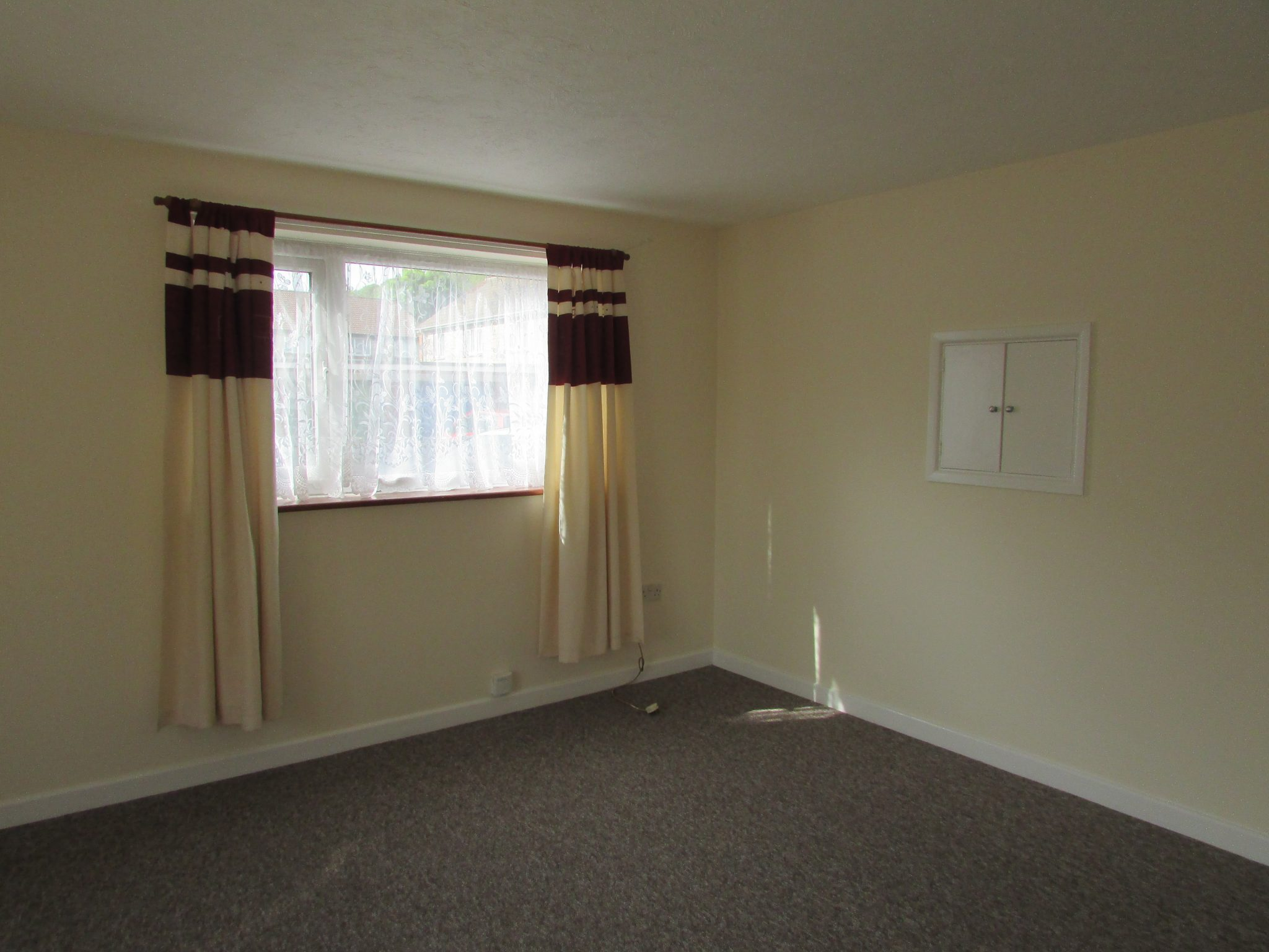 Property to rent, property to let, Warminster, Woodcock Road, John Loftus Property Centre